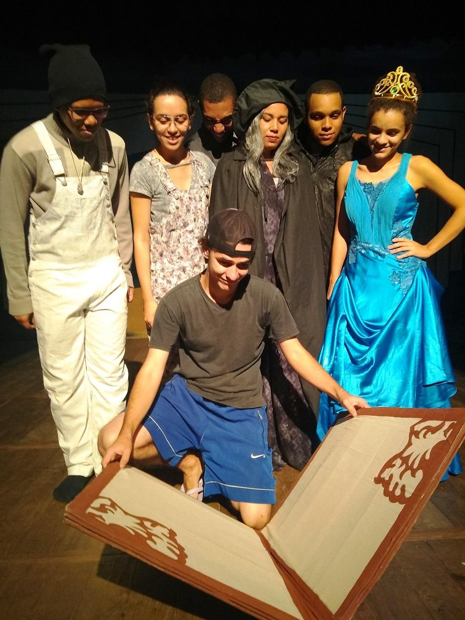 Aberta temporada no Teatro Fernando Torres
