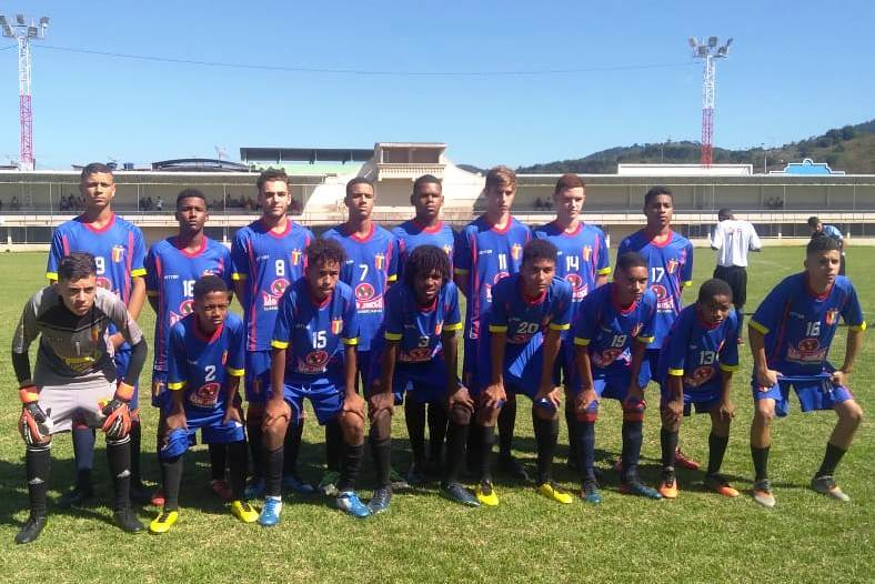 Fim de semana foi de futebol infantil em Guaçuí